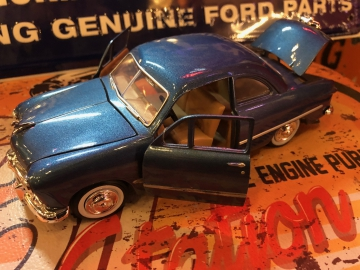 Metal Diecast Cars - 1:24 1949 Ford Coupe